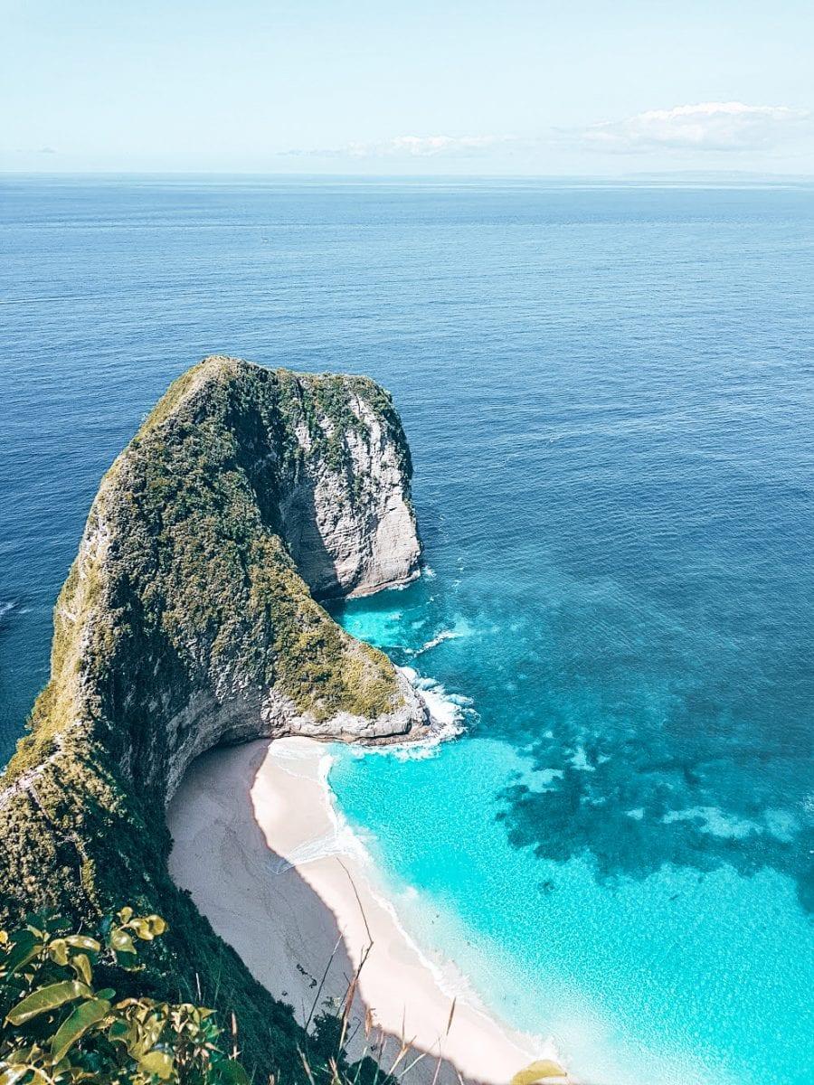 famous kelingking beach in nusa penida bali