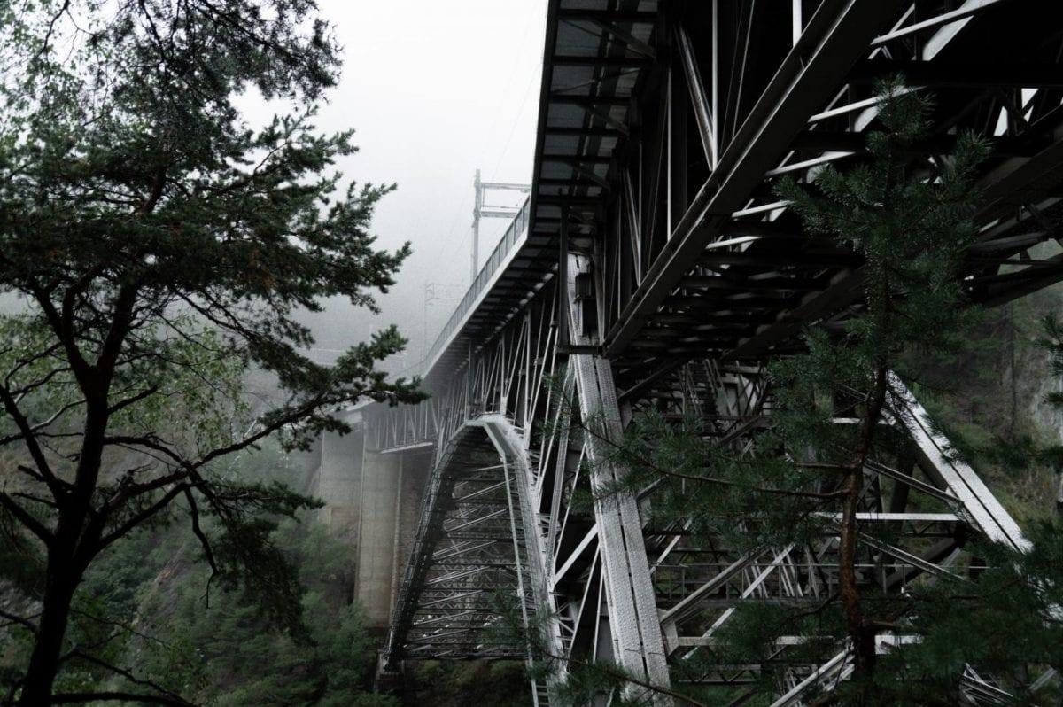 Wanderung an der Baltschiederbrücke im Herbstwetter