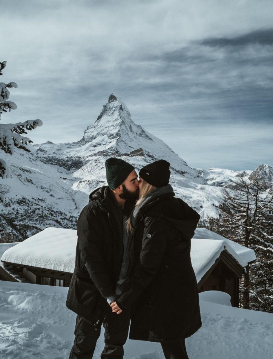 Miriam und Bertal vor dem schneebedeckten Matterhorn
