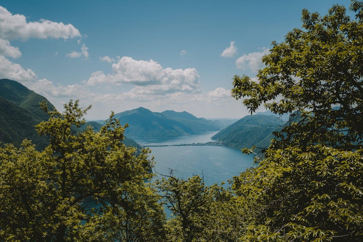 Der Luganer See vom Monte Brè im Tessin, Schweiz.